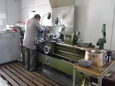 Máquinas e Equipamentos de Usinagem de Peças FRT